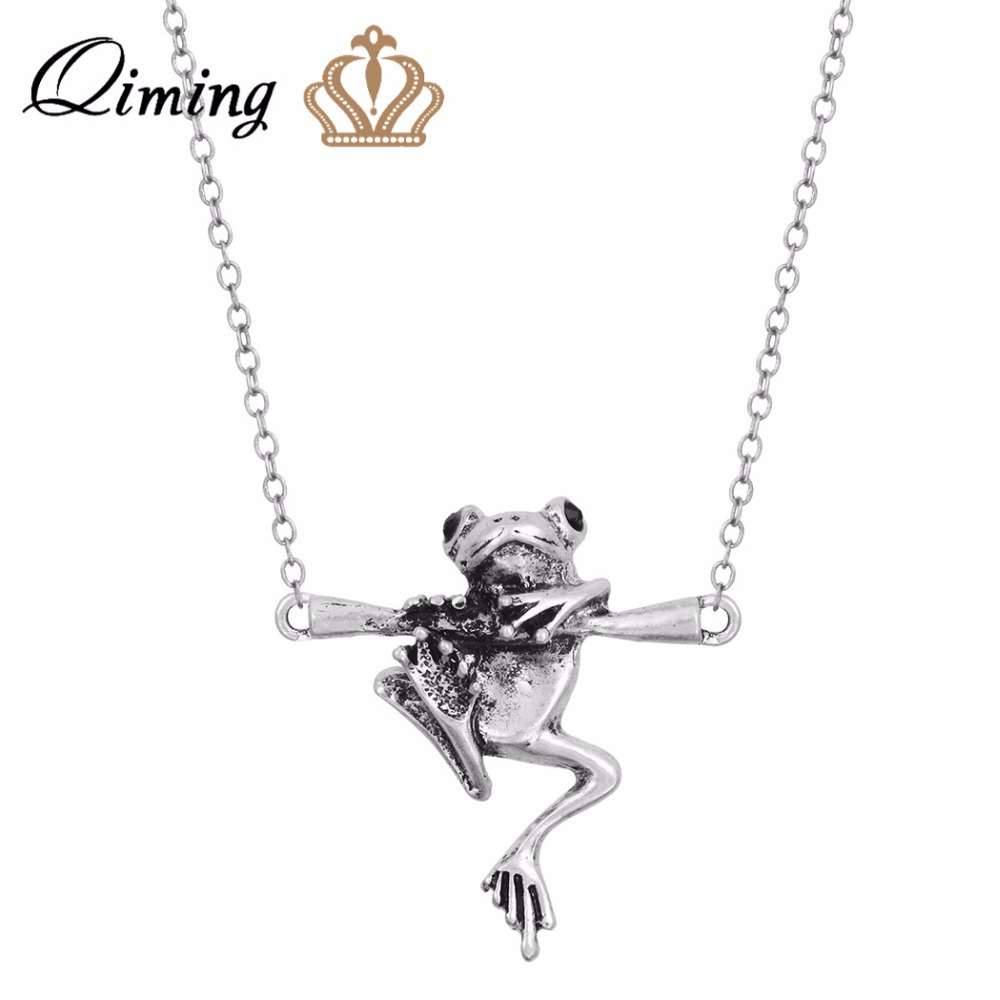 QIMING 3D Animals Vintage Baby Frog on a Branch Animal Charm Necklace For Women Girl Gift Pendant Frog Necklace Men Jewelry