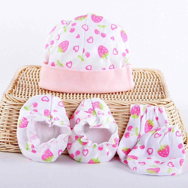 Retail good quailty 5 pcs set for baby socks +gloves armguard mittens+hat  set baby new born gloves baby hat set summer 2014-in Hats   Caps from  Mother ... 7986e930e59