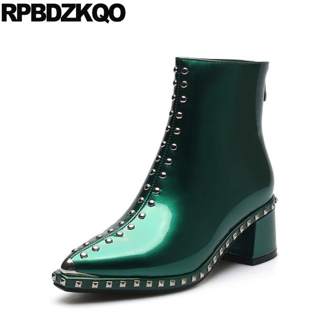 Designer Schuhe Frauen Luxus 2017 Spitz Booties Knöchel Patent Leder Herbst  Casual Metall Chunky Stud Grün cacd39f33e