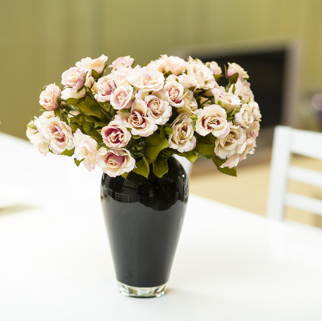 224 & US $33.87  Modern Home Furnishing accessories and simple table glass vase vase of flower classic black and white flower vase-에서Modern Home ...