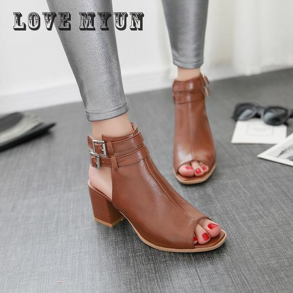 2017 new hot sale Size 34-39 New Fashion Women Sandals Gladiator Mid Squre Heel Casual Woman Shoes Solid Black Beige Brown bar iii new black beige chevron striped women s size large l knit top $39