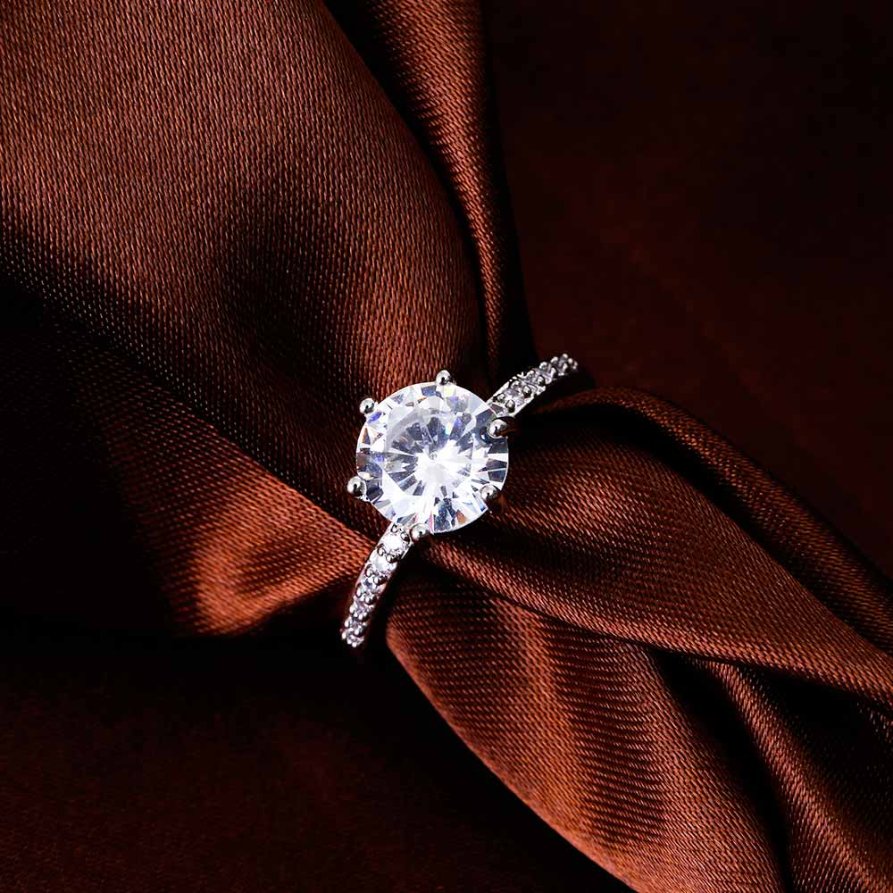 KISS WIFE Classic Engagement Ring