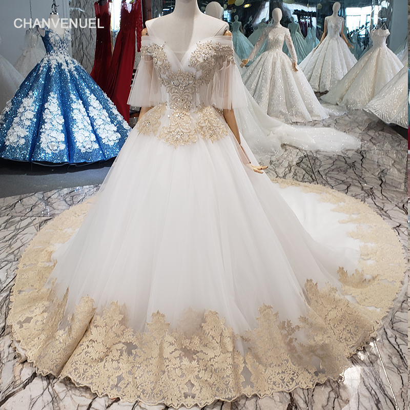 LSS061 free shipping wedding dress off shoulder v-neck puffy half sleeve handmade flowers bride wedding gown with long train