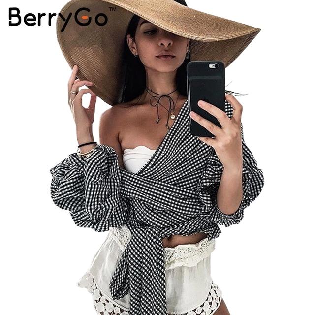 BerryGo Fora do ombro plissado blusa branca de algodão Sexy cool tiras top tees blusas blusa camisa das mulheres de Inverno 2016 do sexo feminino