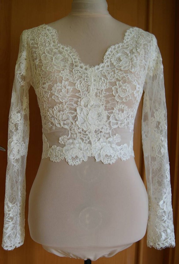 2016 Cheap White V neck long sleeves short lace Wedding Jackets with pearls buttons back
