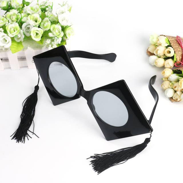 Large Size Glasses for Graduation Ceremony