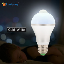 Lumiparty Motion Activated Light Bulb E26 7W 14LED PIR Infrared Motion Detection Light Indoor Lighting Bulb