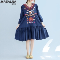 AREALNA 2017 Ethnic Vintage Autumn Dress Women V Neck Elegant Embroidery Female Robe Tunic Three Quarter