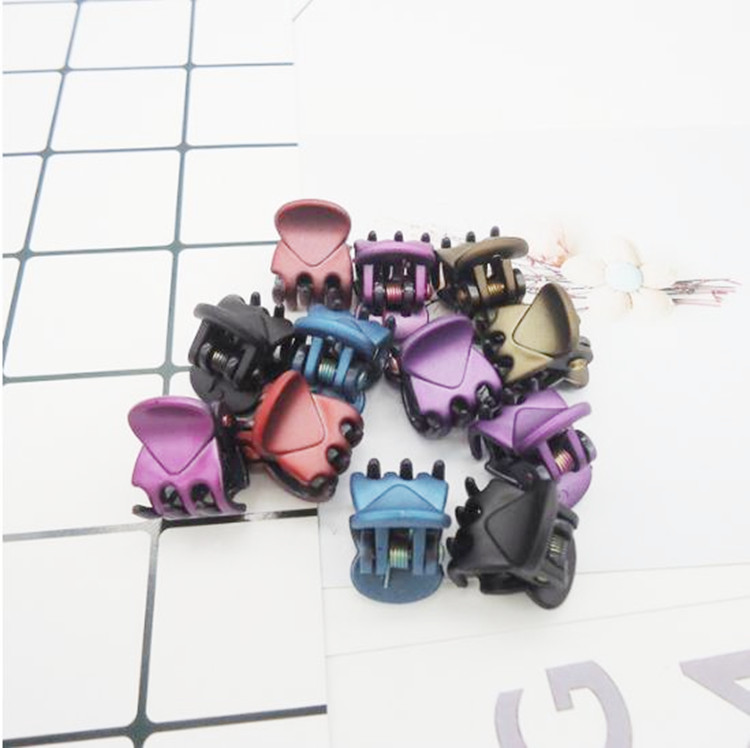 20 pcs/sets Fashion Women crab Hair claw clip Girls Brown Black Plastic Mini Hairpin Claws Hair Clip Clamp For Women Gifts jewe 9356 women hair clip fashion hair claw black hairpin hair accessories for women simple hair crab clamp 2 7 2cm 12pcs lot