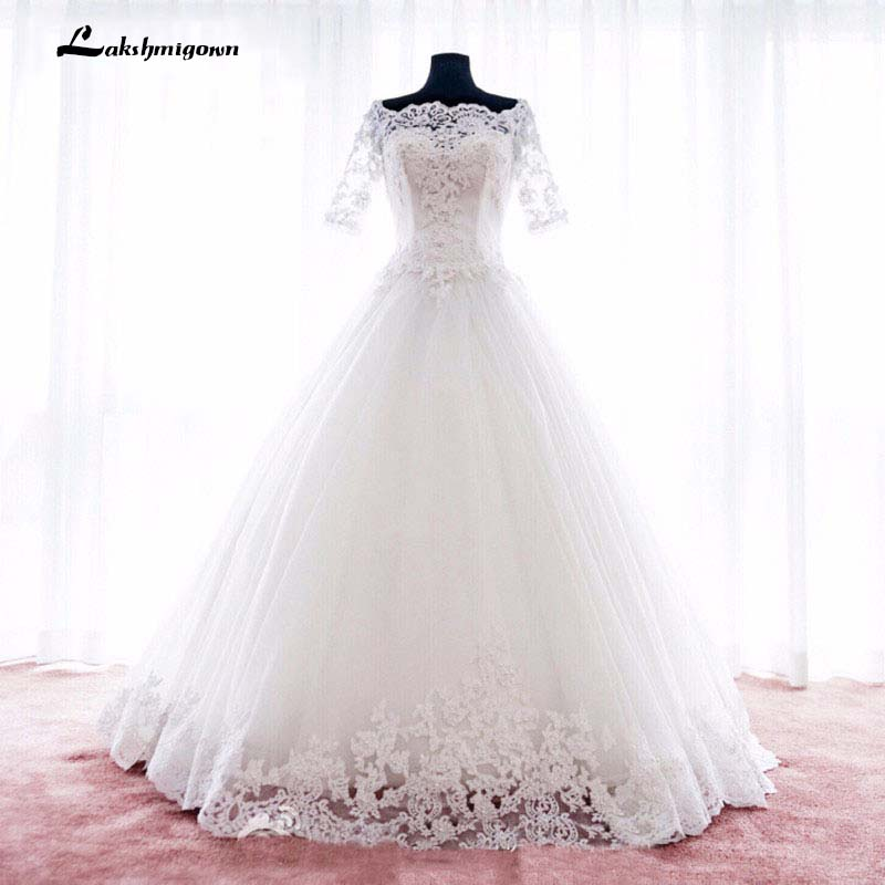 Half Sleeves White Wedding Dresses Boat Neck Lace Appliqued Ball Gown Court Train Bridal Dresses Robe De Mariage