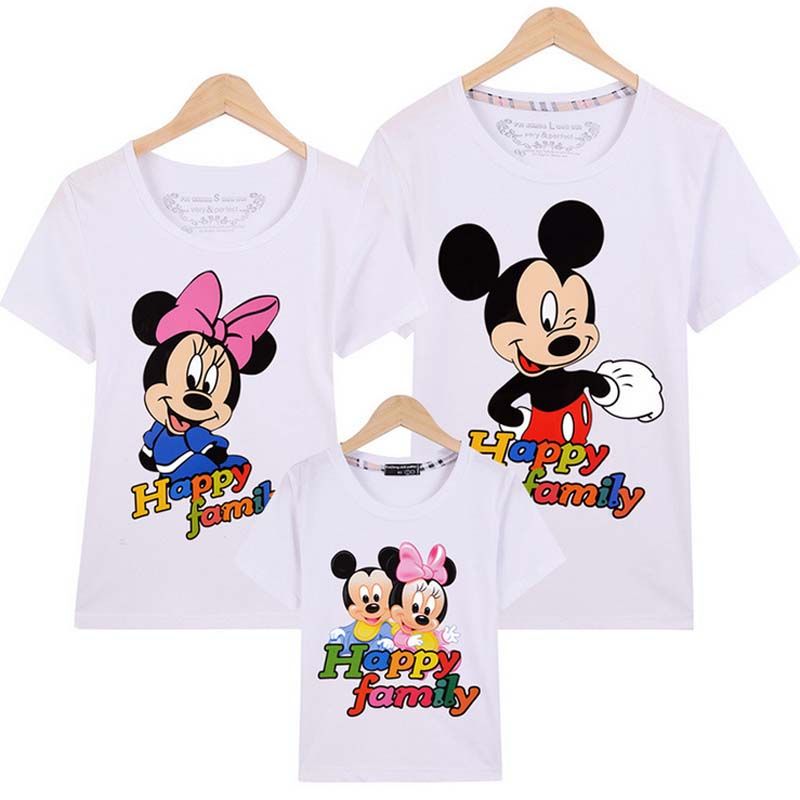 купить 2018 summer Family Matching Outfits mickey Short-sleeved T-shirt Family mother and daughter clothes father Son baby kids 14color по цене 407.31 рублей