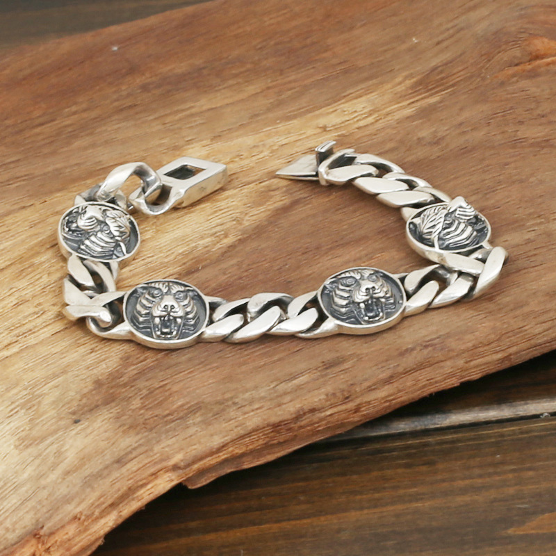 Wholesale S925 Sterling Silver Jewelry Men's Fashion Handmade Retro Thai Silver 3 Tiger Domineering Personality Bracelet wholesale s925 sterling silver jewelry men fashion handmade retro thai silver original ring buckle bracelet