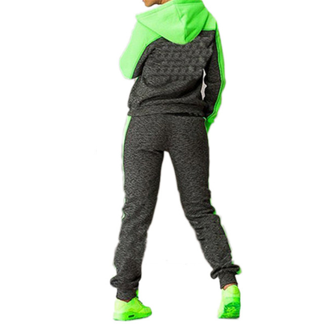 Женский трикотажный костюм для активного отдыха 5