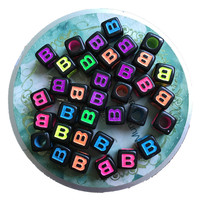 Free Shipping 1900PCs/Lot 7*7MM Cube Acrylic Letter Beads Mixed Neon Colors Initial B Printing Plastic Alphabet Jewelry Beads