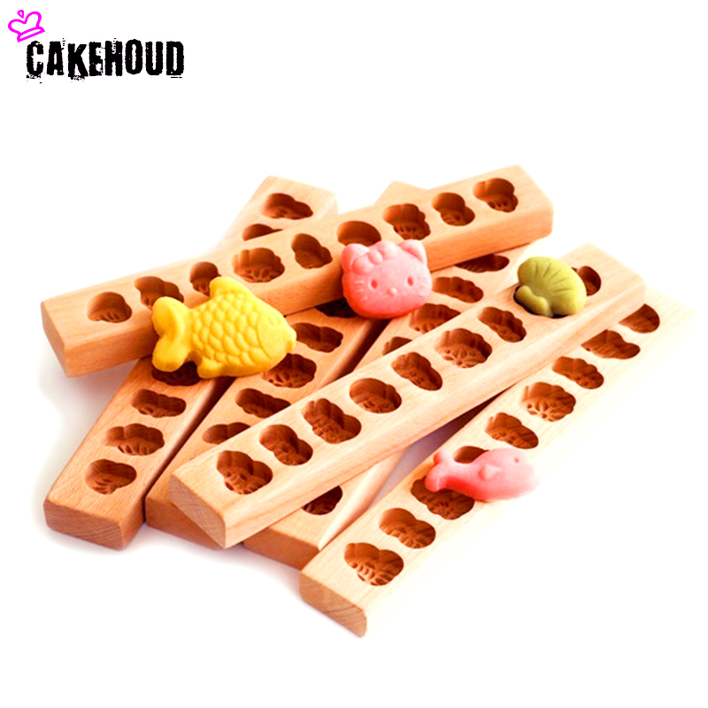CAKEHOUD Wooden Cartoon Whole Wooden Pasta Mold Baking Tool Mung Bean Cake Pumpkin Cake Cheese Biscuit Mould Kitchenware image