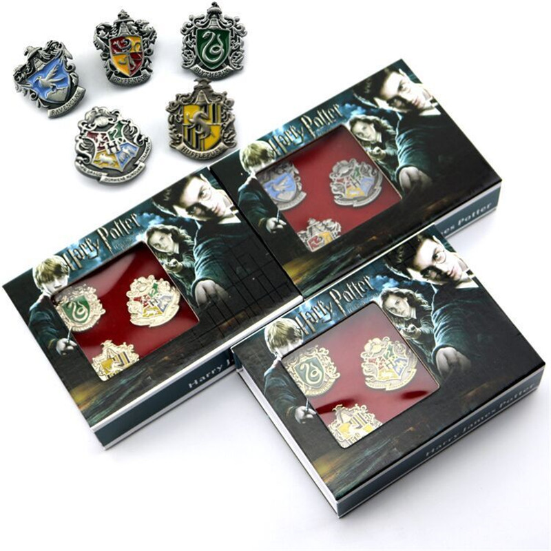 Harri Potter College Badge Brooch Magical School Badges Pin Gryffindor Ravenclaw Slytherin Hufflepuff Brooches Christmas Gift