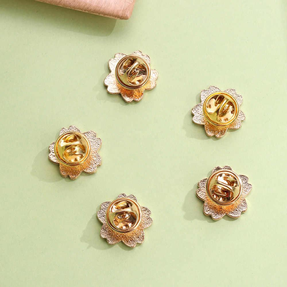 5 pçs/set Dos Desenhos Animados flores de Cerejeira Sakura Flor Broche Pinos Esmalte Botão Roupas Jaqueta Saco Badge Pin Moda Jóias meninas Presente