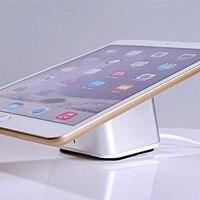 Tableta inalámbrica antirrobo alarma de seguridad soporte de exhibición del Ipad de carga titular de apple samsung dispositivos andriod para tienda al por menor