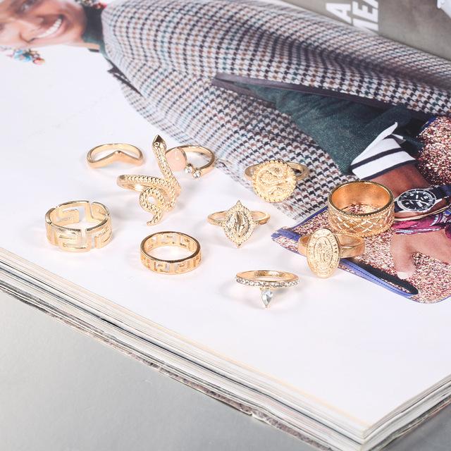 10Pcs/Set Retro Disc Statue Hollow Geometric Crown Rattlesnake Ring Carved Gold Snake Ring Set Jewelry