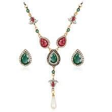 Vestito Decorazione Dei Monili Accessori di Moda di Cristallo Set di  Gioielli Da Sposa Collana Orecchini Set di gioielli Da Spos. de40022912e0