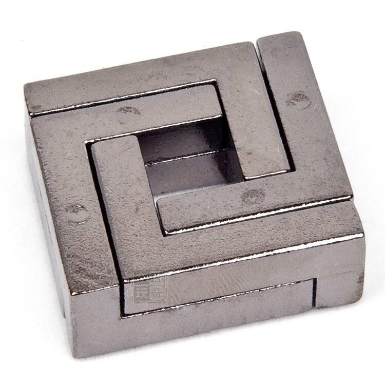 1pcs April Du 4cm Metal Cast Ring Square lock Puzzle Souptoy 110gram kids education Mind Brain develop Puzzles Toy d21 все цены