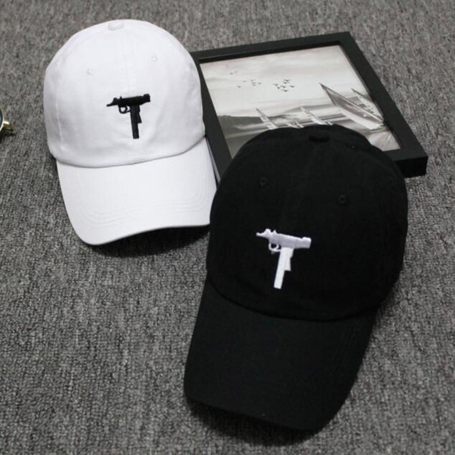 New Top selling Uzi Gun Baseball Cap US Ak47 Snapback Cap Hip hop Black  White Hat Curve visor 2 panel Hat casquette de marque-in Baseball Caps from  Apparel ... d7bc0a814760
