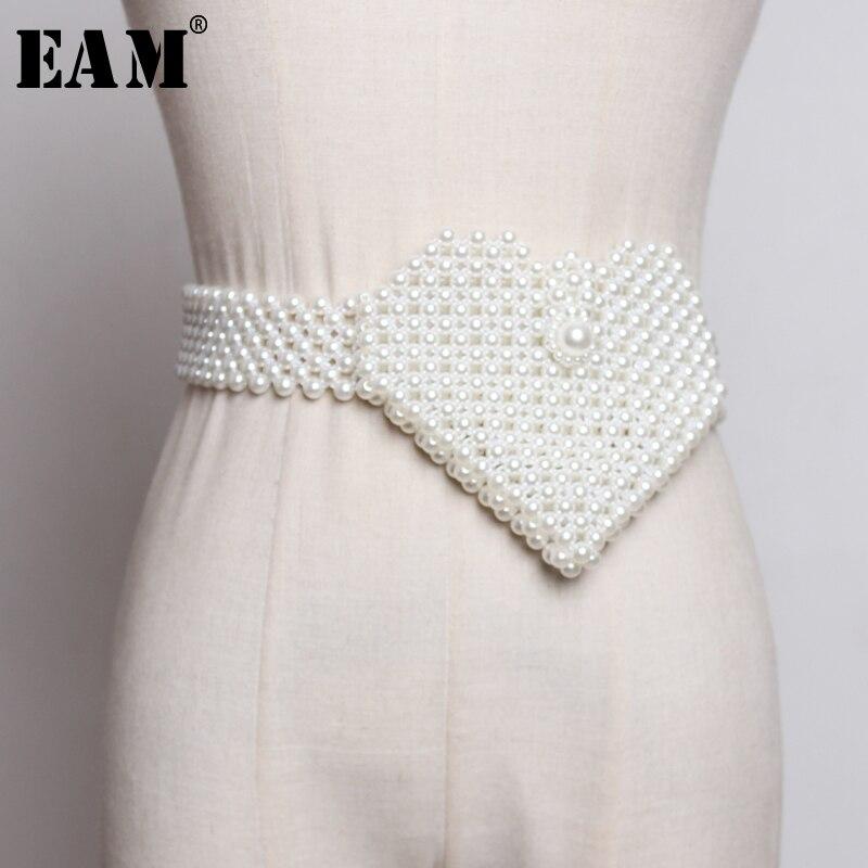 [EAM] 2020 New Spring Summer Pearl Decoration Heart Shape Brief Personality Crossbody Bag Belt Women Fashion All-match JX383