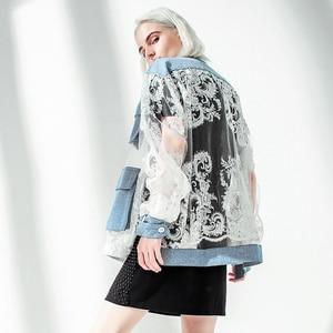 Image 2 - [EAM] 2020 New Spring Autumn Stand Collar Long Sleeve Blue Denim Lace Split Joint Big Size Jacket Women Coat Fashion Tide JU301