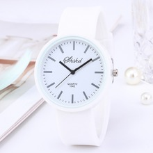 New Fashion Brand Women Silicone Watches Women Round Dial Quartz Analog Wrist Casual Coloful Design Ladies waterproof Watch Saat