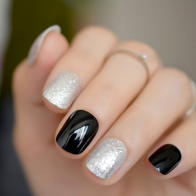 Black Gel Fantasy Short Fake Nails Ready To Wear Designed Sparkly Glitter Length Round