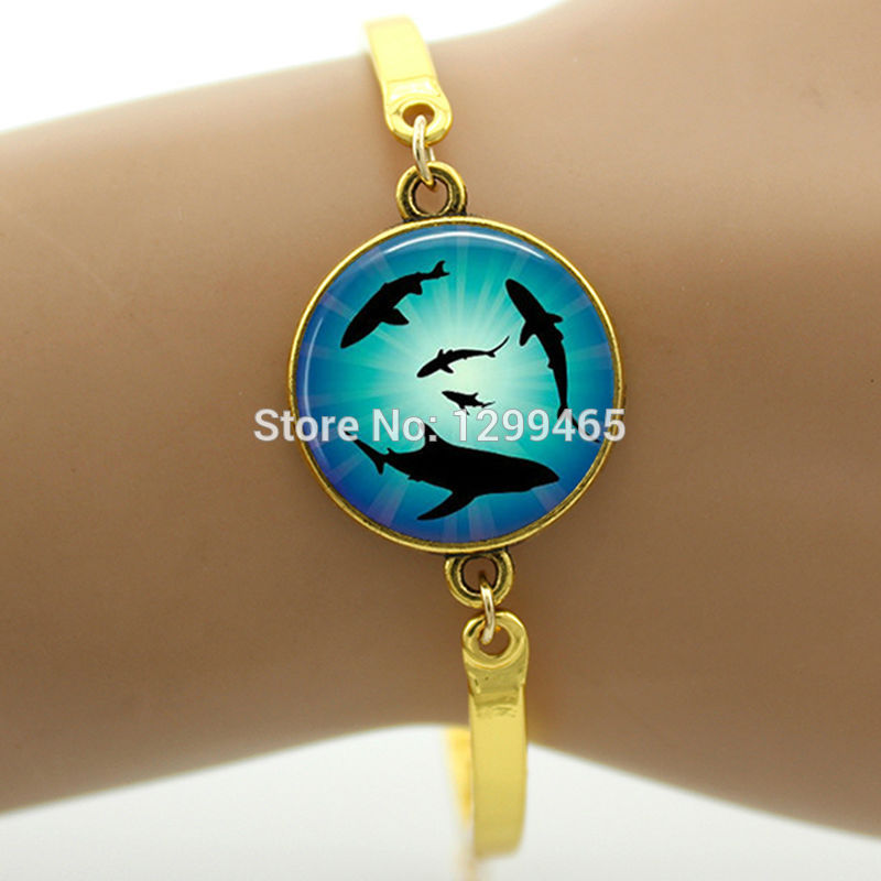 Souvenirs gift Sharks and blue sea Pture lass Cabochon Dome Bracelet gift for men and women Ocean Jewelry B314