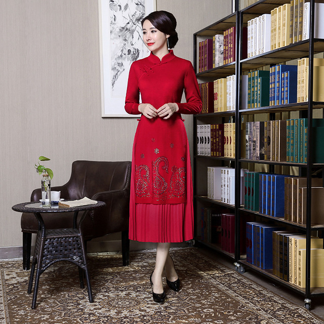 Red Woolen Embroideries Long Chinese Dress Vintage Vietnam Aodai Elegant  Cheongsam Slim Long Mandarin Collar Flower 449bef5f899f