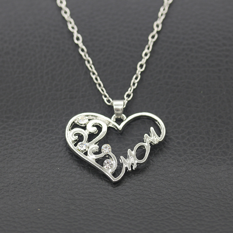 DILILI 2017 new fashion womens clothing accessories Simple women fashion silver plated heart mon pendant necklace