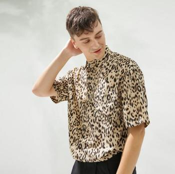 2019 Original men's simple European and American leopard print shirt with short sleeves