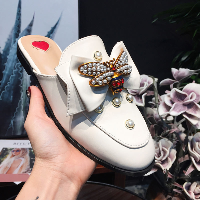 Hot Woman Slipper Round Toe Bee Decor Pearl Embellished Women Flats Glitter Crystal Shoes Women Bow Tie Woman Slides Star Shoes hot woman flats metal animal decor woman shoes pearl embellished woman loafers bow tie women shoes brand runway super star shoes