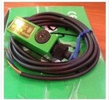 Livraison gratuite % 100 nouveau F1RM-PN F5RN-PNP capteur d'amplificateur à fibre optique