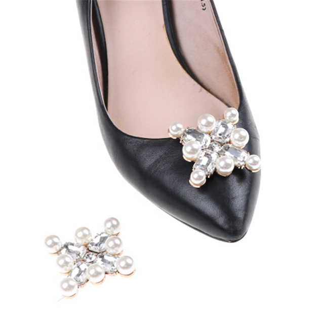 1 Pcs Flower Clip Inserting Buckle Rhinestones Crystal Pearl Shoes  Decoration Women Decorative Accessories Insert Bead 6a1cdf7199dc