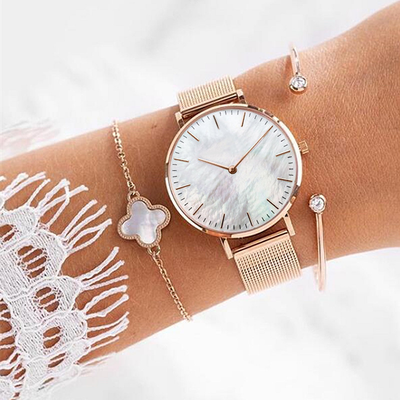 Be unique with the Rose Gold Seashell Mesh in 32mm