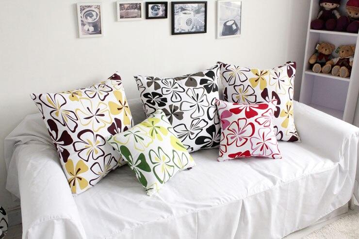 Cuscini colorati per divani il colore qualche dritta for Cuscini arredo per divani