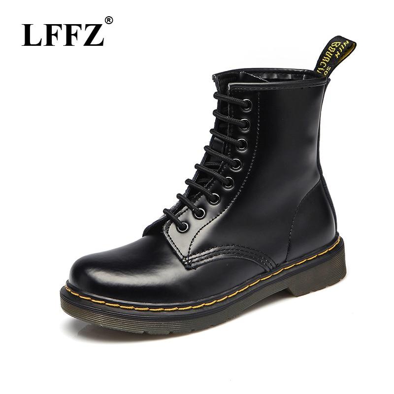 2018 de alta calidad de cuero de los hombres botas Dr Martin botas zapatos de alta superior de la motocicleta Otoño e Invierno zapatos de hombre botas de nieve ST50