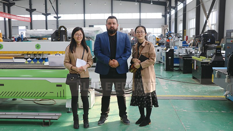 Mexican-Customer-Come-to-Visit-Our-Factory-and-Purchased-Our-1325-CNC-Machine-1