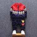 Baby Born Продвижение Пальто 2016 Новых Детей Весной И Осенью С длинными Рукавами Из Двух Частей Мальчики Спорт Свитер Костюм Детская Одежда Набор