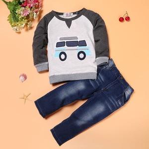 Image 2 - 春秋の男の赤ちゃん服セットファッション子供漫画の車のパターン Tシャツ + ジーンズ 2 ピース/セット子供服 2 3 4 5 6 年