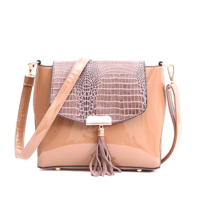Bolsos Carteras Mujer Marca Women's Genuine Leather Bag Women's Skin Shoulder Tassel Messenger Bags Serpentine Crossbody Bag
