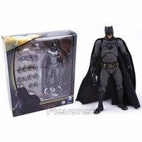 MAFEX NO.017 DC COMICS Batman v Superman: Dawn of Justice Batman PVC Action Figure Collectible Model Toy 16cm