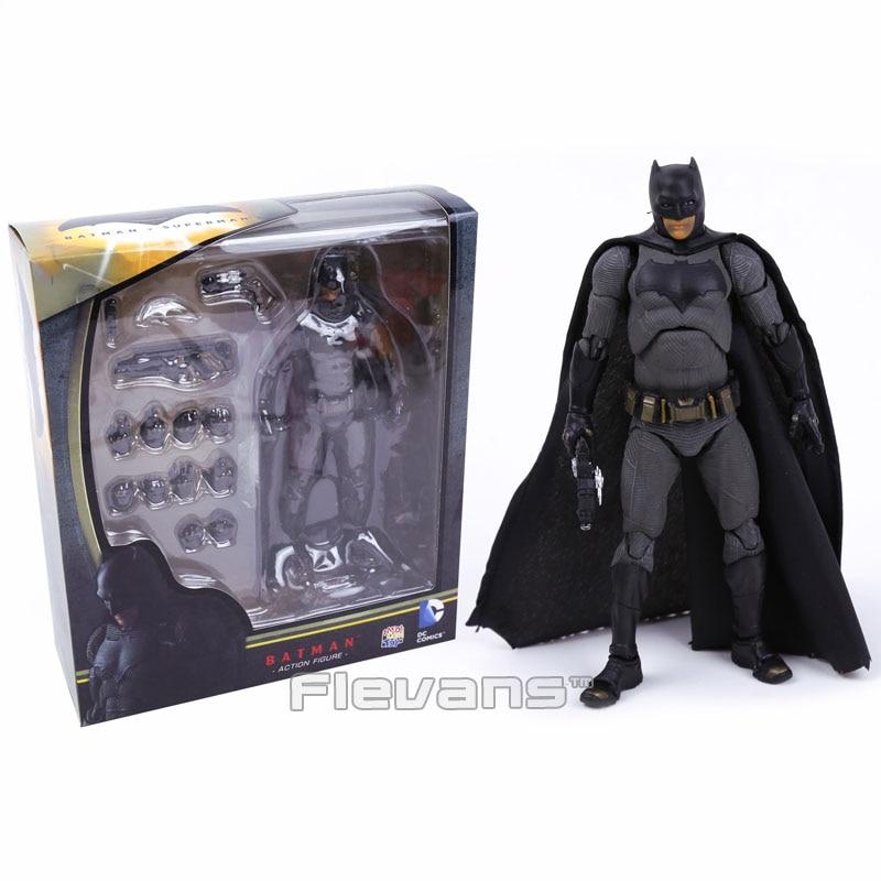 MAFEX NO.017 <font><b>DC</b></font> <font><b>COMICS</b></font> <font><b>Batman</b></font> <font><b>v</b></font> <font><b>Superman</b></font>: Dawn of Justice <font><b>Batman</b></font> PVC <font><b>Action</b></font> <font><b>Figure</b></font> Collectible Model Toy 16cm