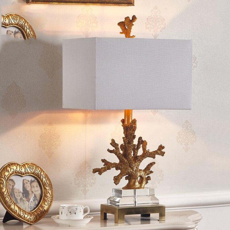 Роскошные золотые Коралл настольная лампа Гостиная Средиземноморский Спальня прикроватной тумбочке огни 3 ткани абажур дополнительно дом...