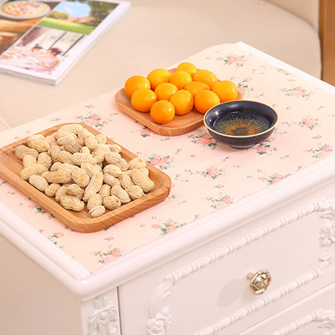 Hot Sale 300x30cm Polka Dots Shelf Contact Paper Cabinet Drawer Liner Kitchen Table Mat China