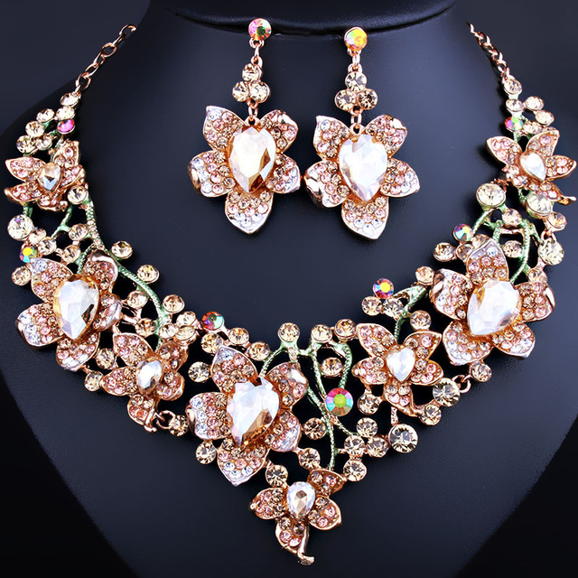 FARLENA JEWELRY Elegant 3d Flower Necklace Earrings set for Women Shining Crystal Rhinestone Dubai Bridal Jewelry Sets