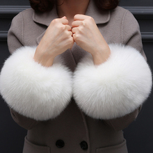 Fashion Lady accessories Apparel Warmers False fur Cuff gloves sleeve fake cuffs Oversized fox hair cuff bracelet wrist hand
